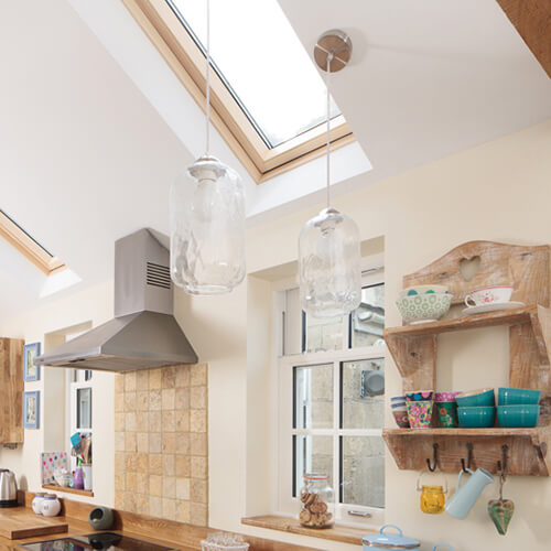 Glass Light Fittings In Solid Wood Kitchens